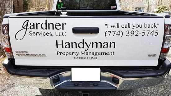 custom vinyl lettering for work truck