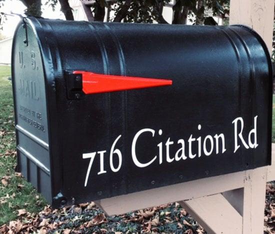 custom vinyl lettering for mailbox address